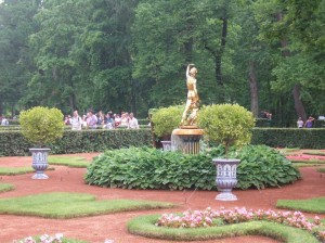 Parc Peterhof à Saint Petersbourg4